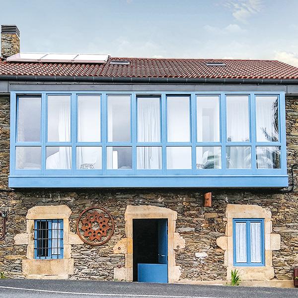Casa Rural Montebreamo Pontedeume Logo Interiorismo Branding Naming Marca Identidad corporatíva Zaton diseñadores Galicia